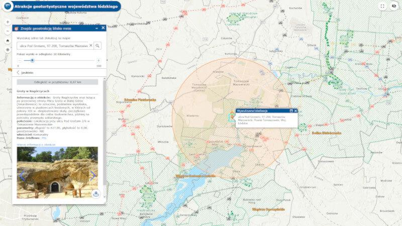 obrazek przedstawia wynik wyszukiwania atrakcji geoturystycznych w poblizu miasta Tomaszów Mazowiecki - w oknie informacyjnym zdjecie i opis Grót Nagórzyckich